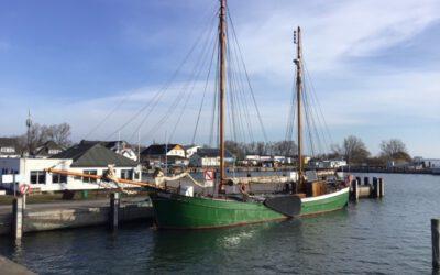See-Ewer Petrine im Hafen von Vitte