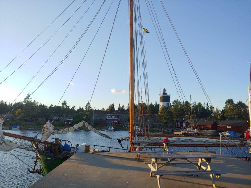 Petrine an der Pier von Storjungfru