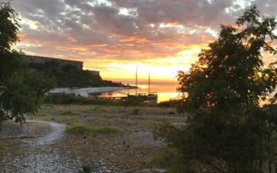 Sonnenuntergang auf der Großen Karlsinsel, Schweden, August 2020